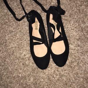 Ballet flats/lace ups